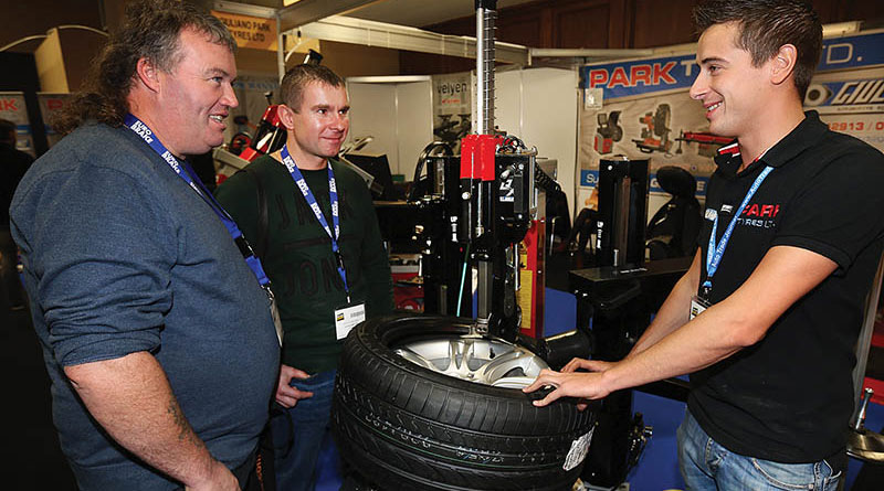 Jamie Walsh and Marcin Jablonka both from Glounthaune Tyre Centre chat with Brian Donelan at the Giuliano Park Tyres Ltd Stand